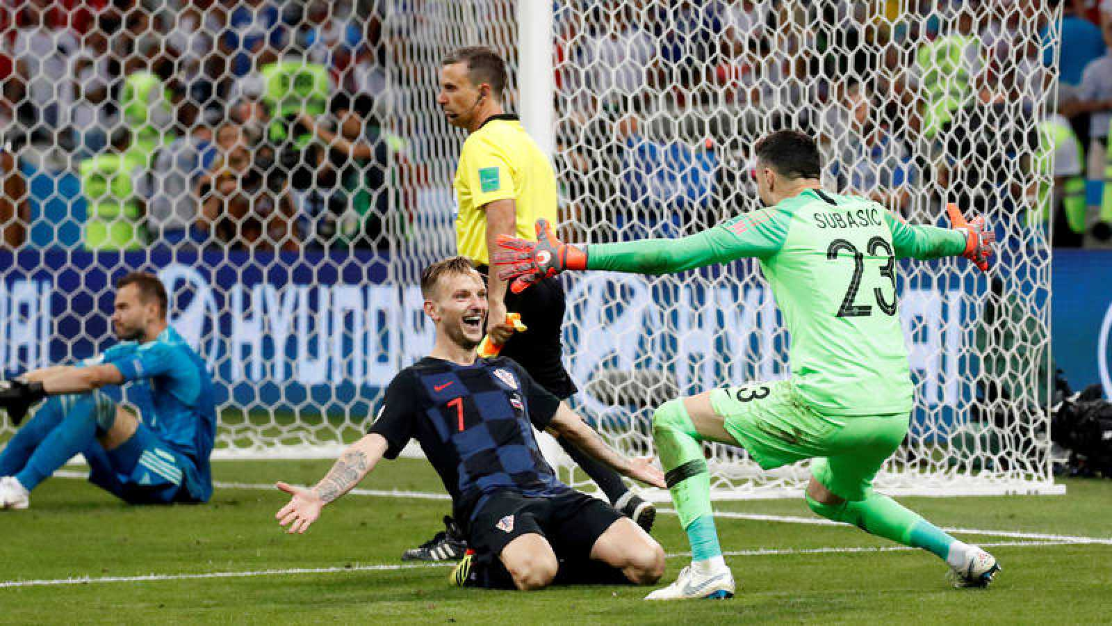 Croacia impone su épica en los penaltis ante Rusia
