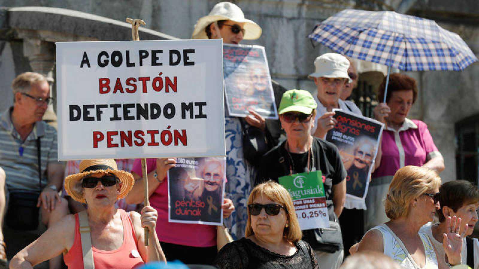 """Concentración convocada por las organizaciones de jubilados el pasado 2 de julio para reivindicar unas pensiones """"dignas"""""""