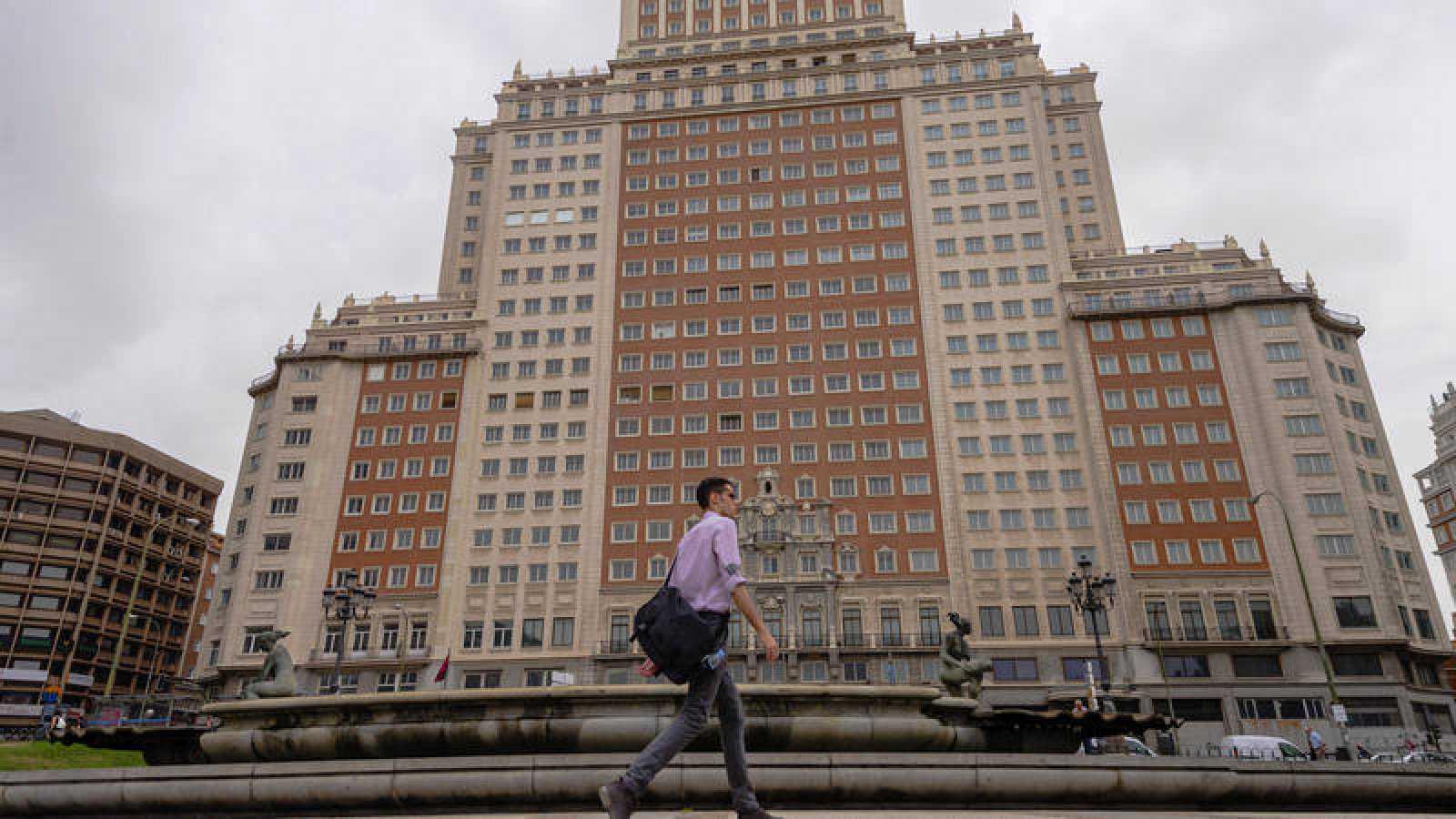 Edificio España, vendido por Trinitario Casanova a la cadena hotelera Riu