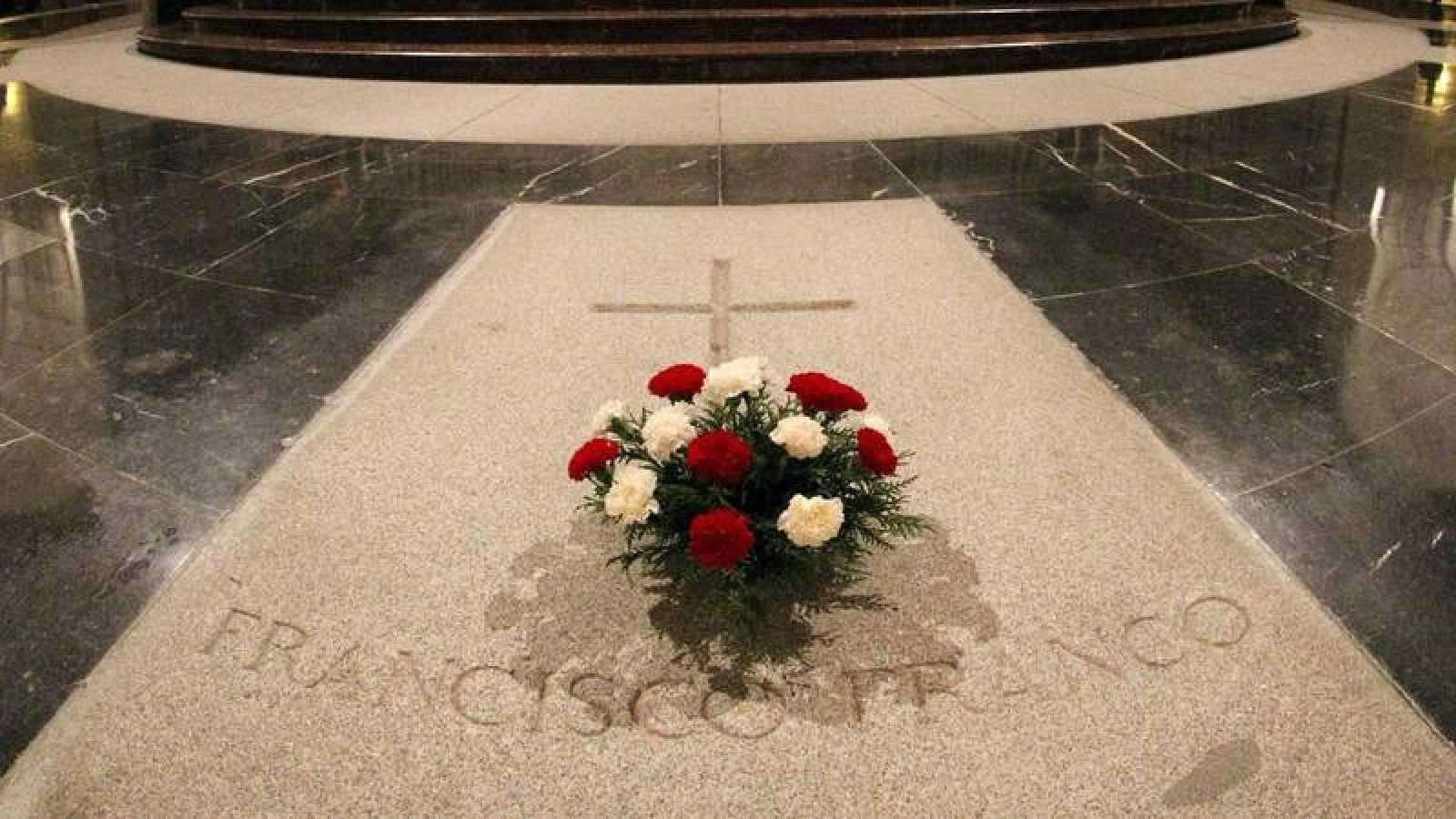 Tumba de Francisco Franco de El Valle de los Caídos.