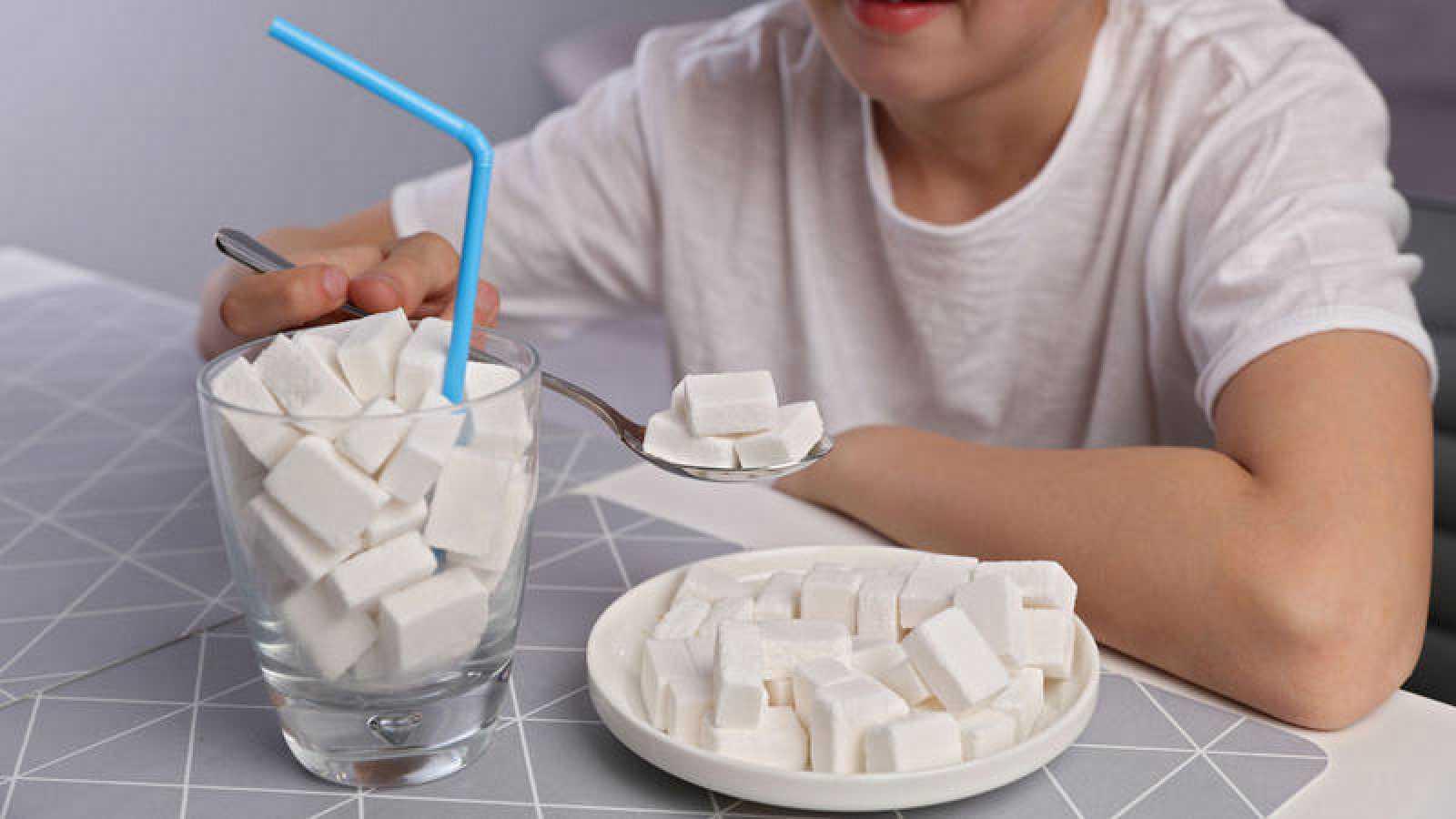 Se entiende por azúcar libre aquel que se incorpora de manera artificial a los alimentos.