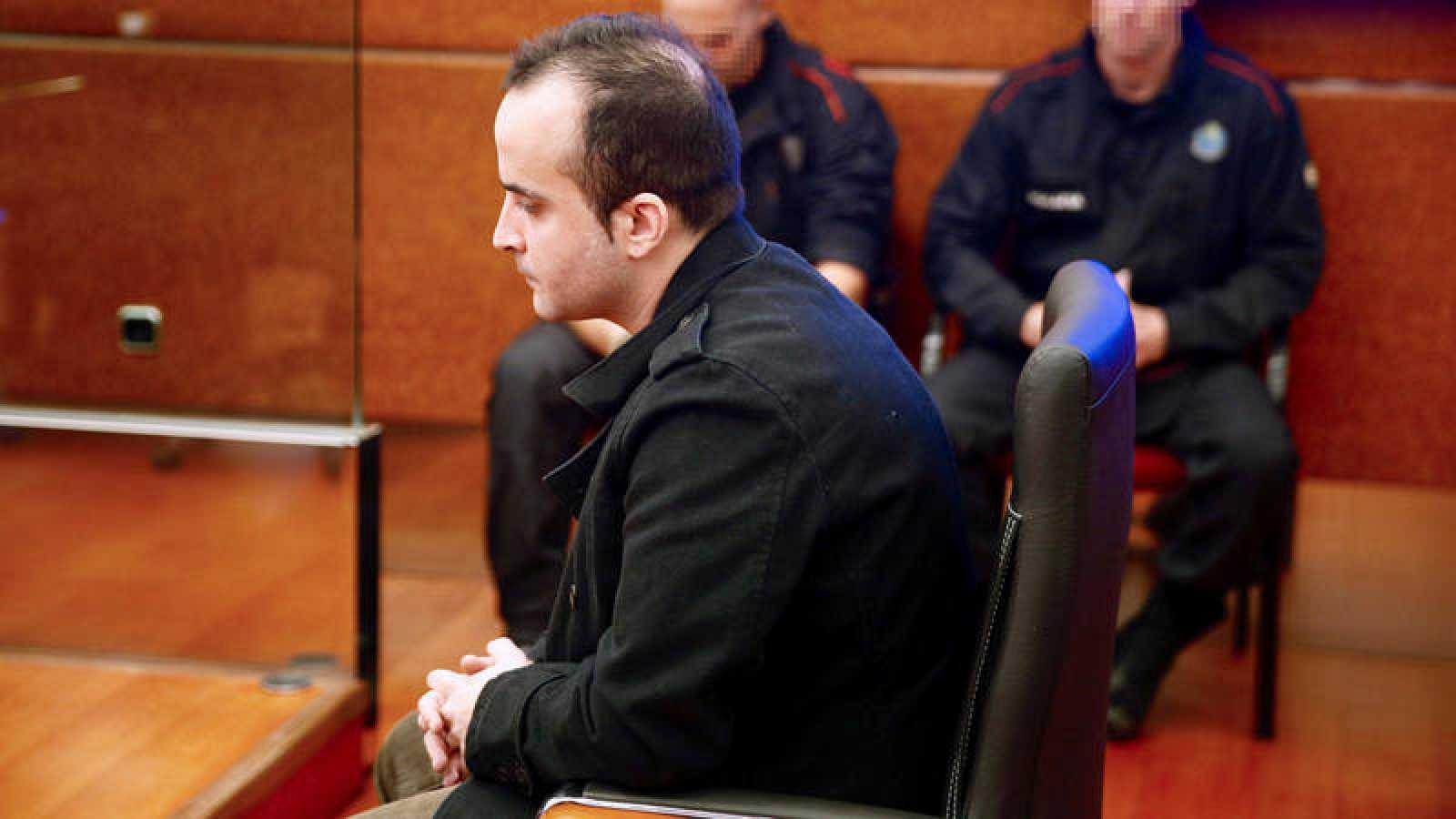 El asesino de la bebé Alicia en un momento del juicio