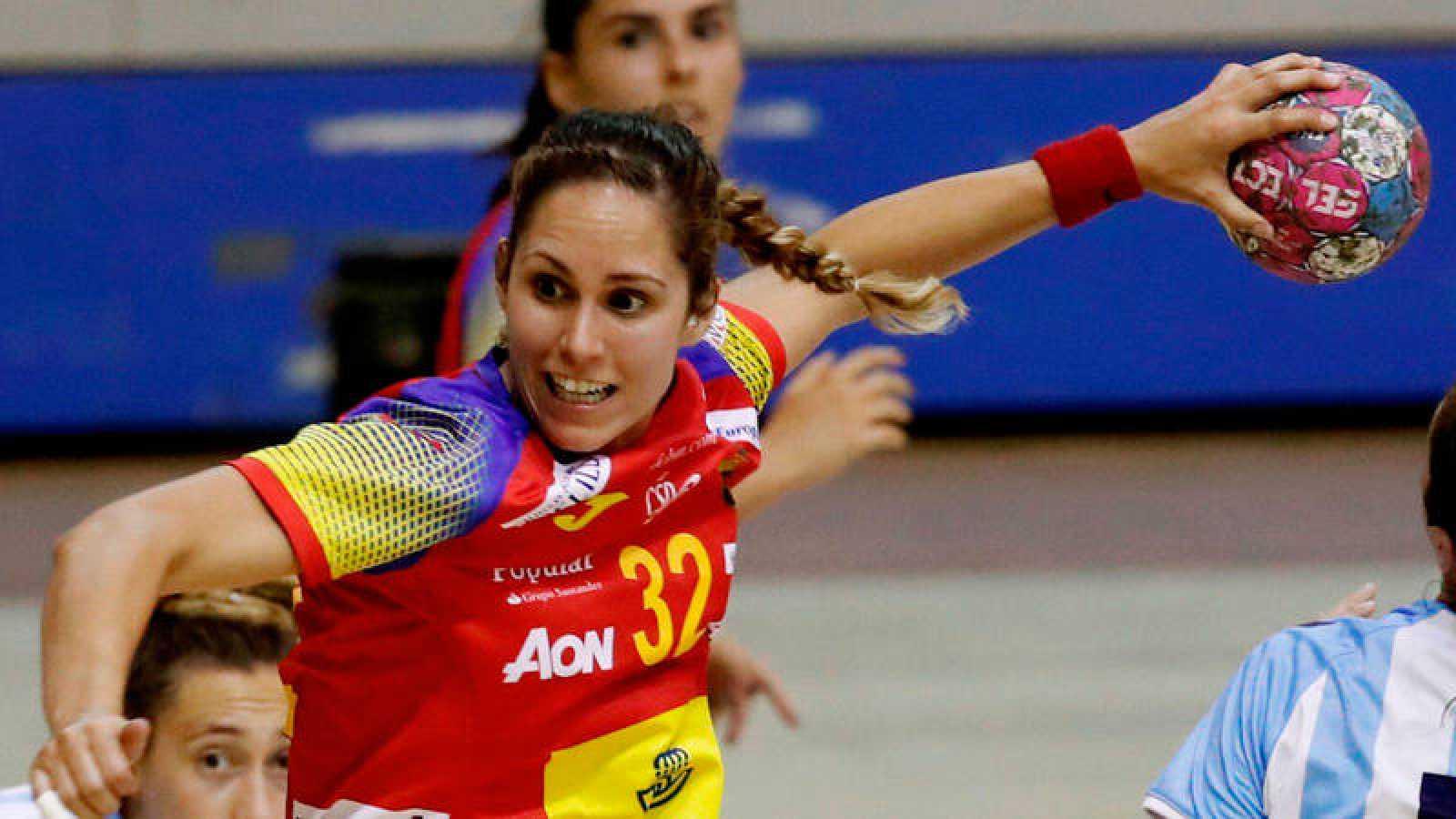 Mireya González, jugadora de la selección española de balonmano