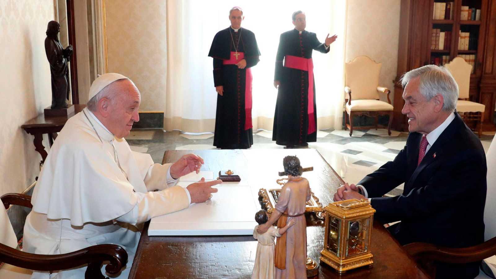 El papa se ha reunido con el presidente de Chile, Sebastián Piñera