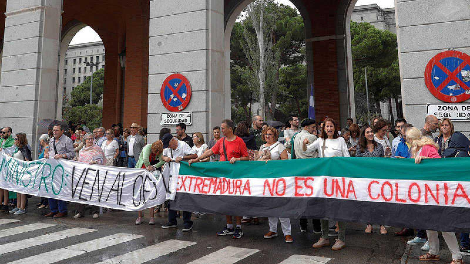 Extremeños manifestándose en Madrid el pasado mes de septiembre para pedir un tren digno.