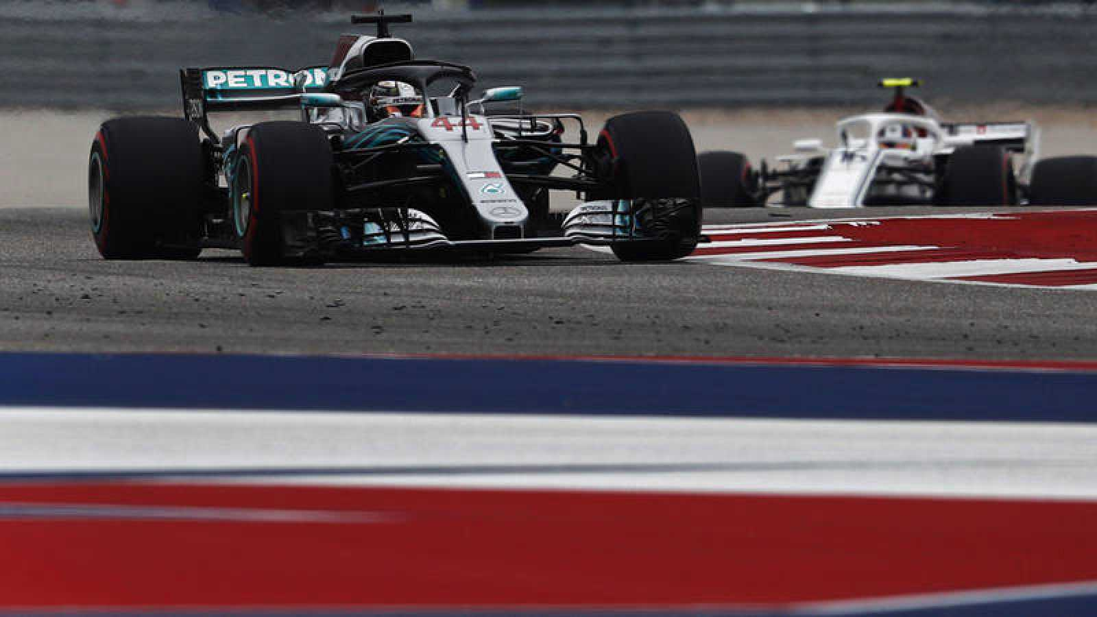 Hamilton logra la 'pole' en Austin