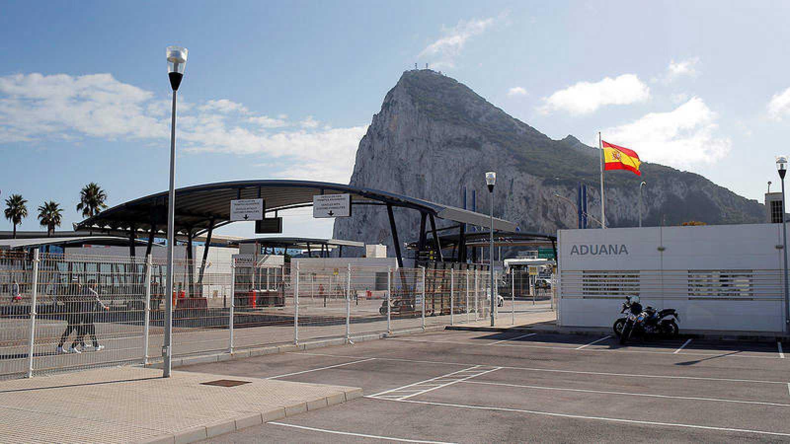 Frontera entre España y Gibraltar. Reuters/Jon Nazca