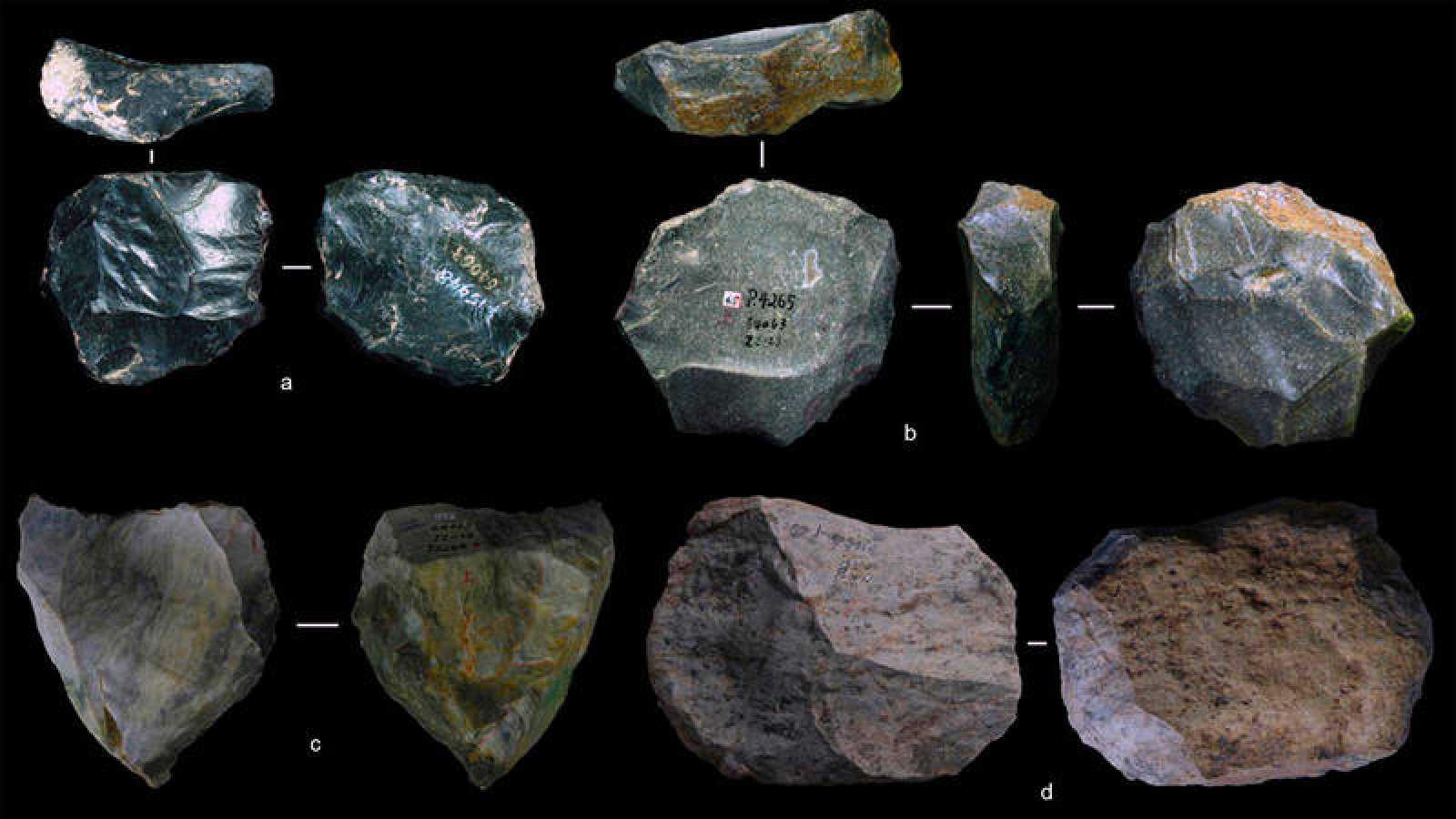 """Lascas en forma de Levallois (""""navaja suiza de herramientas prehistóricas""""), halladas en la cueva china de Guanyindong."""