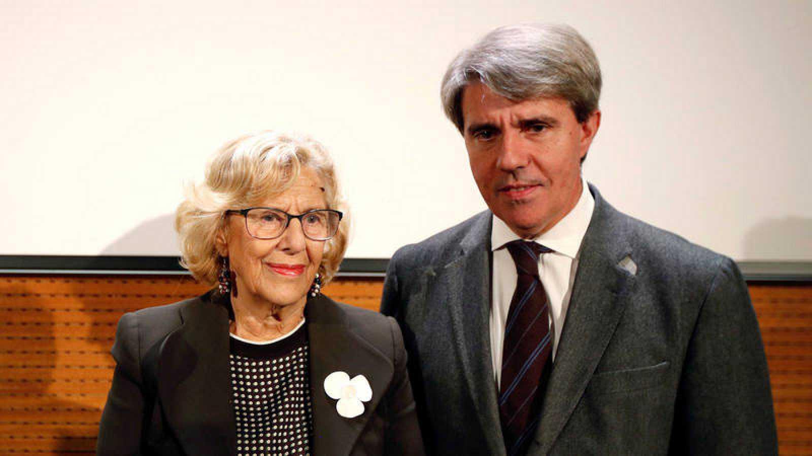 La alcaldesa de Madrid, Manuela Carmena, y el presidente de la Comunidad de Madrid, Ángel Garrido