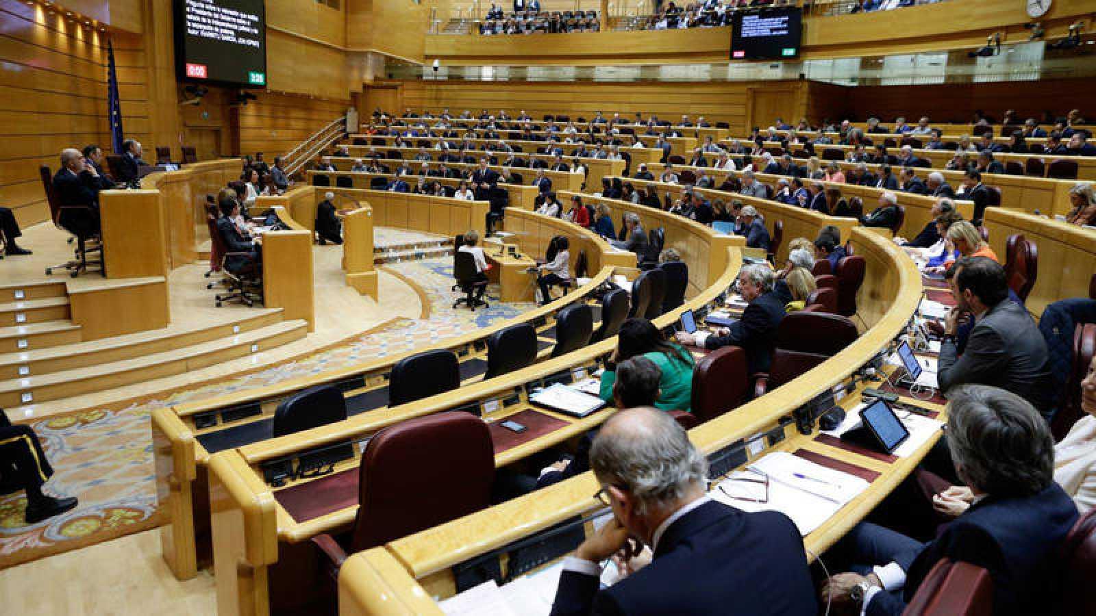Un instante del pleno del Senado que ha aprobado la ley de Protección de Datos y Derechos Digitales