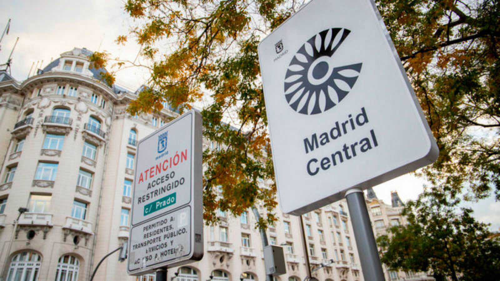 Cartel de señalización de entrada al perímetro de Madrid Central