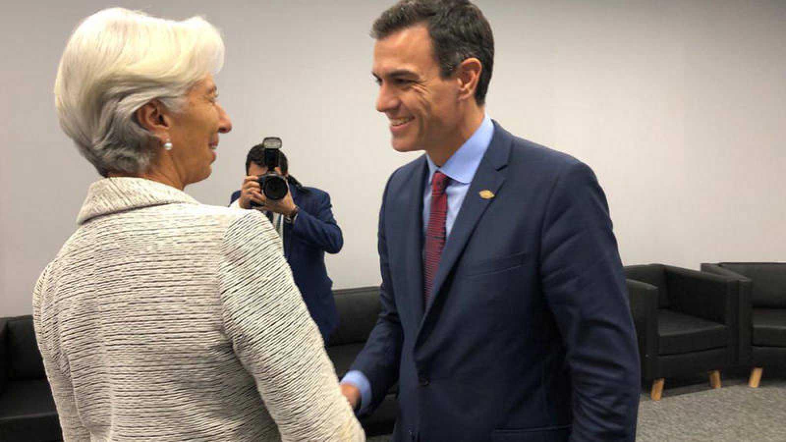 Lagarde valora el compromiso de Sánchez para reducir el déficit y la deuda