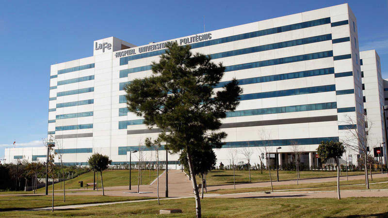 Una bebé de un mes en coma inducido en el Hospital La Fé de Valencia por presuntos malos tratos de sus padres