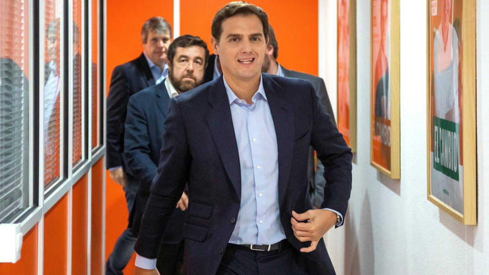 """Resultado de imagen de 2018 Rivera considera irresponsable """"descartar"""" un pacto con Vox"""