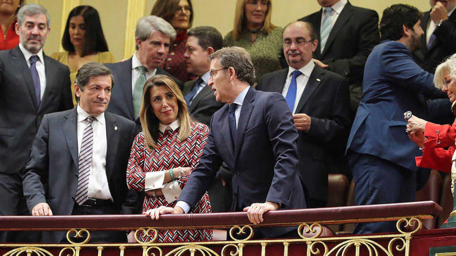 Susana Díaz, junto a los presidente de Asturias y Galicia, Javier Fernández y Alberto Núñez Feijo, en la conmemoración de los 40 años de la Constitución en el Congreso.