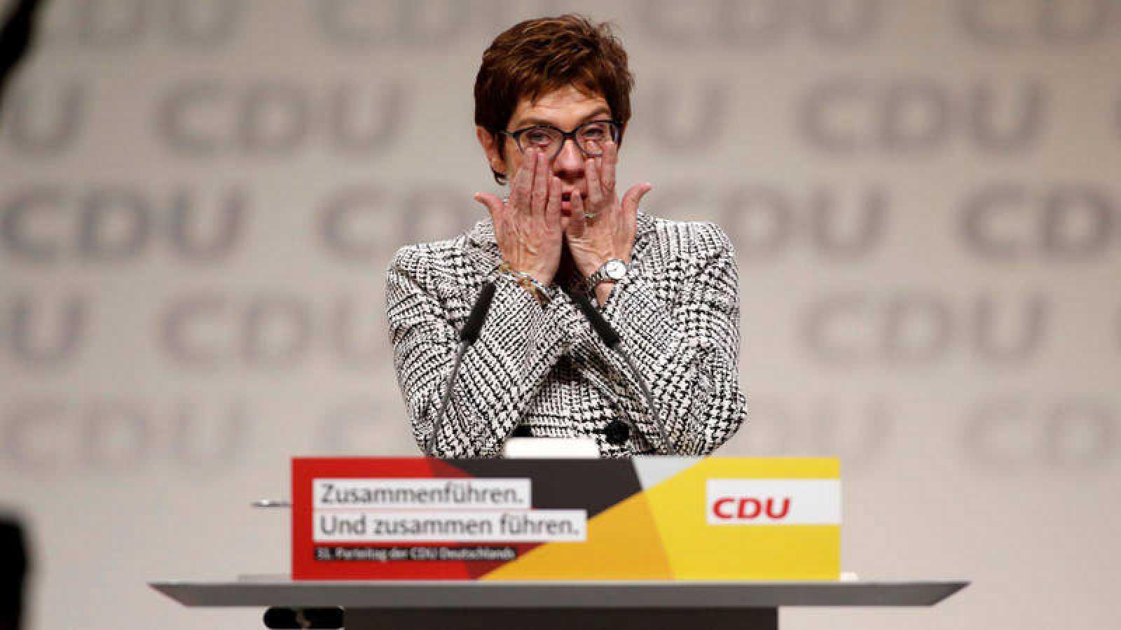 Annegret Kramp-Karrenbauer agradece su elección como presidenta de la CDU.