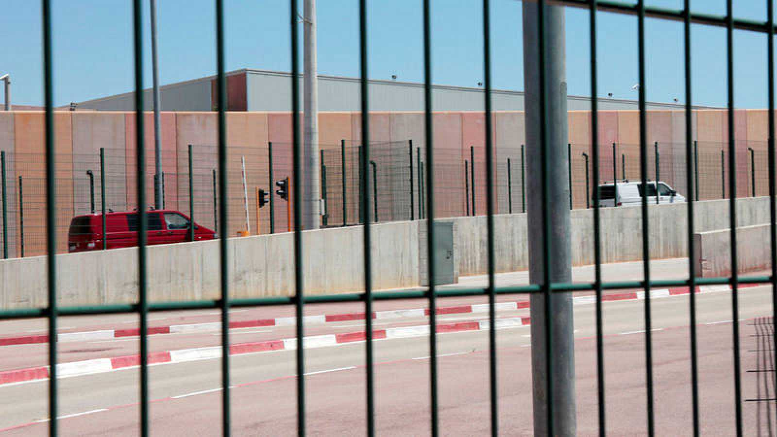 Dos furgonetas entran en la prisión de Els Lledoners
