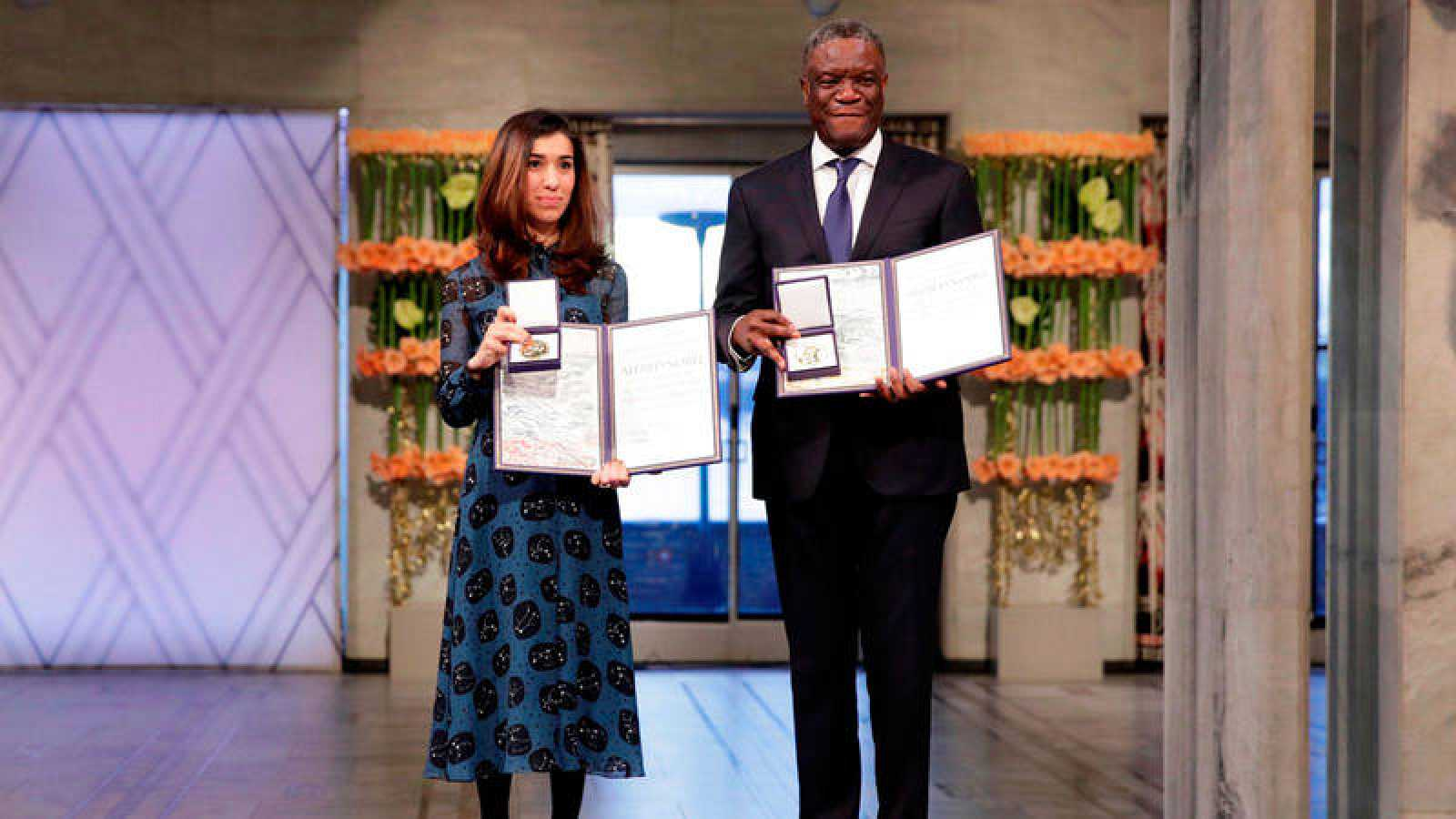 La activista yazidí Nadia Murad y el médico congoleño Denis Mukwege recogen el premio Nobel de la Paz 2018