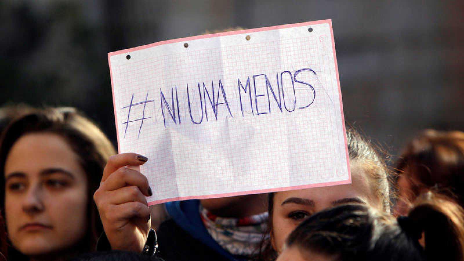 Concentración en Callosa d'En Sarrià (Alicante) contra la agresión sexual a una joven