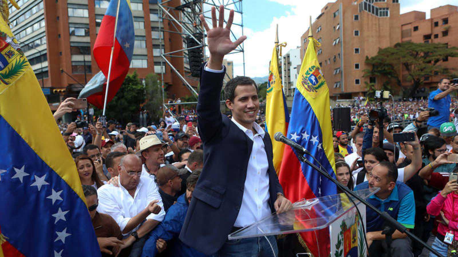 El opositor Juan Guaidó se autoproclama presidente de Venezuela en Caracas