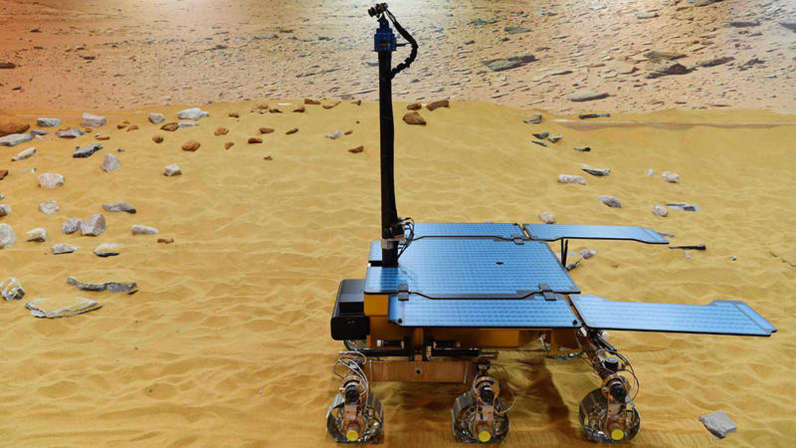 Está previsto que el robot explorador Rosalind Franklin se pose en Marte en marzo de 2021.