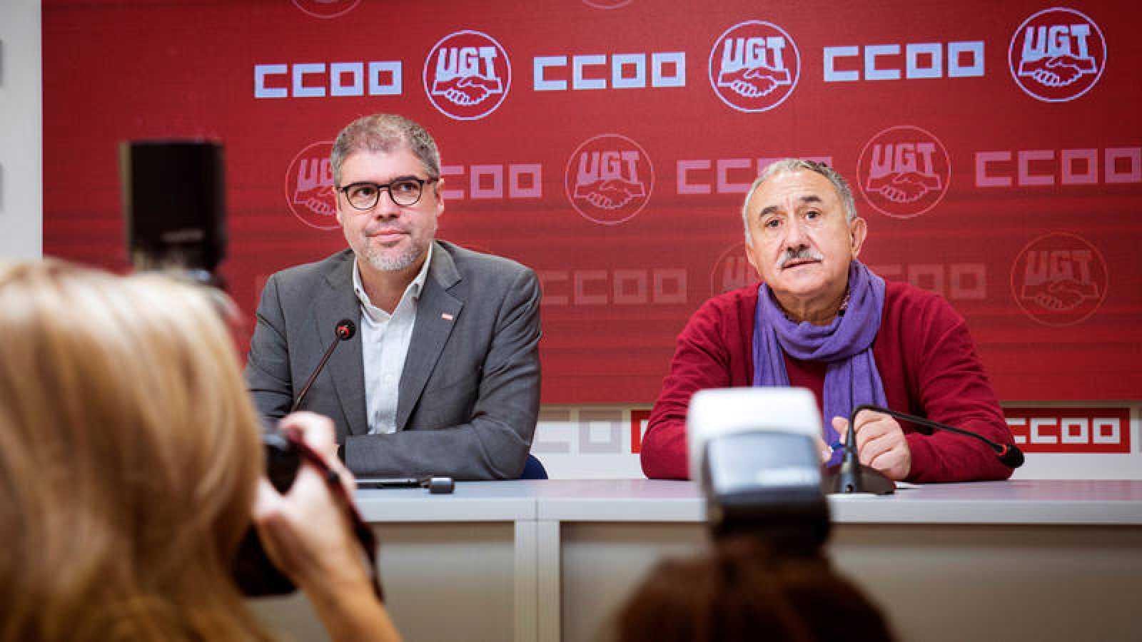 Los líderes de los sindicatos CC.OO. y UGT, Unai Sordo y Pepe Álvarez, durante una reciente reunión en Madrid