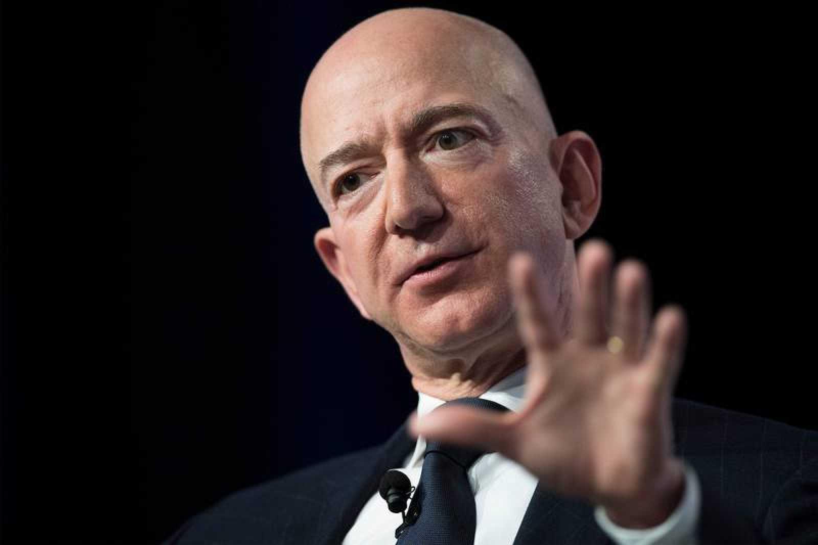 El dueño de Amazon Jeff Bezos, sigue siendo la persona más rica del mundo