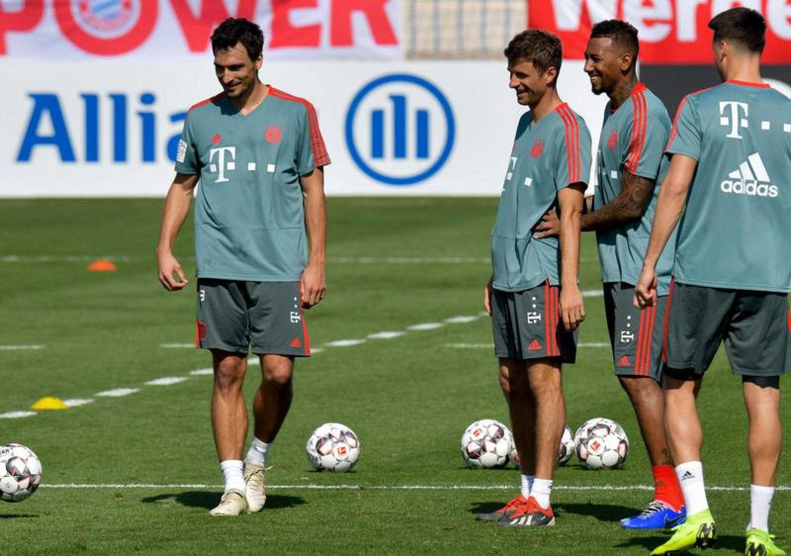 De izquierda a derecha, Hummels, Müller y Boateng, en un entrenamiento del Bayern