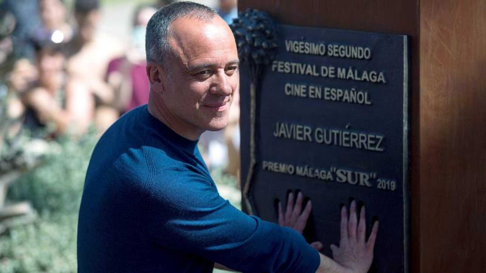 Javier Gutiérrez descubre su monolito