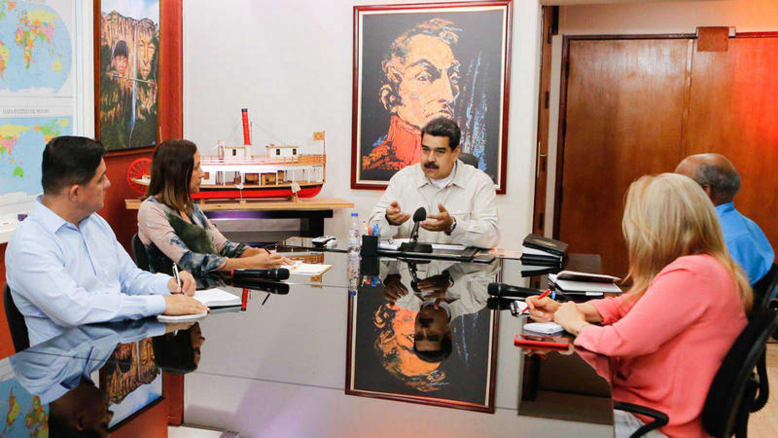Maduro cambia al ministro de Energía Eléctrica en medio de la crisis por apagones
