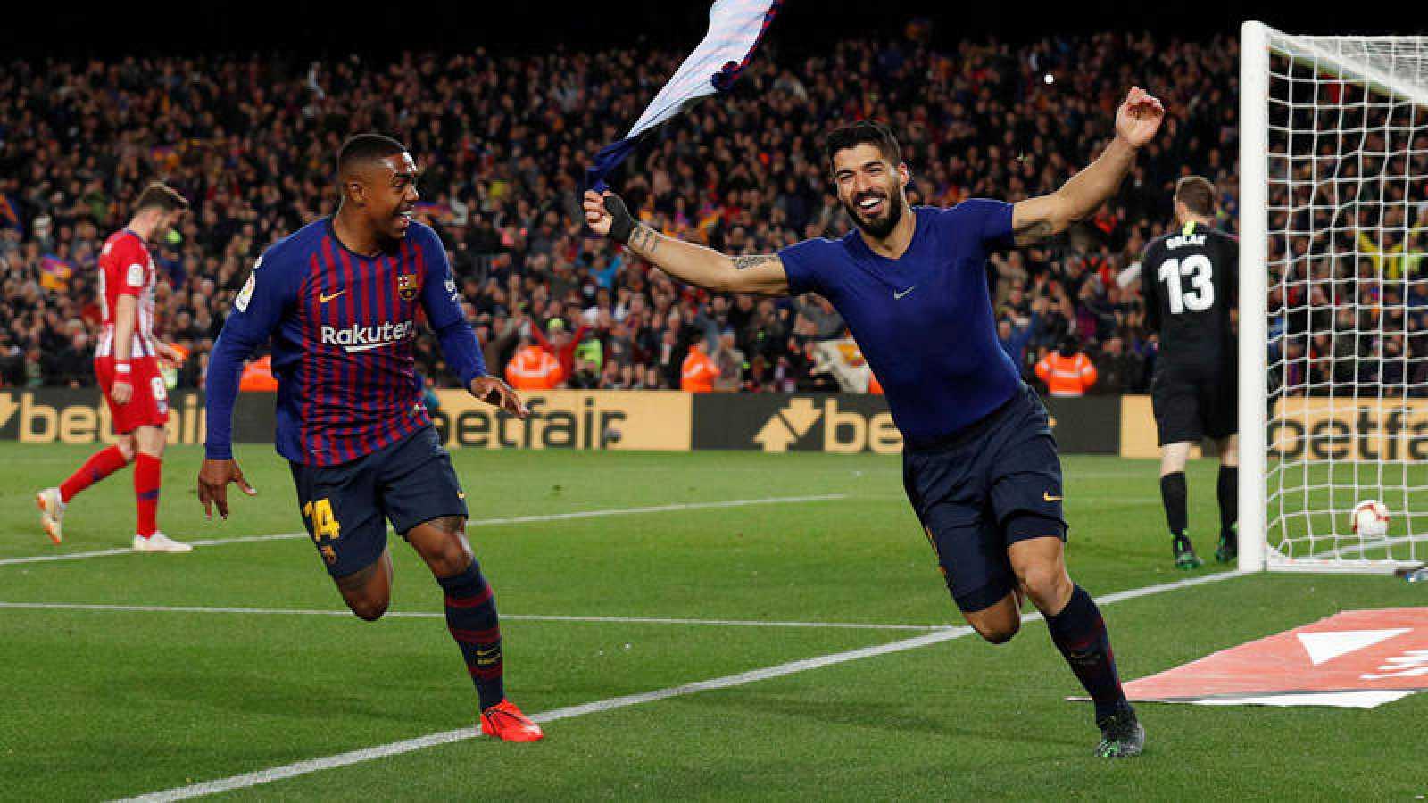 Luis Suárez celebra el primer gol del partido