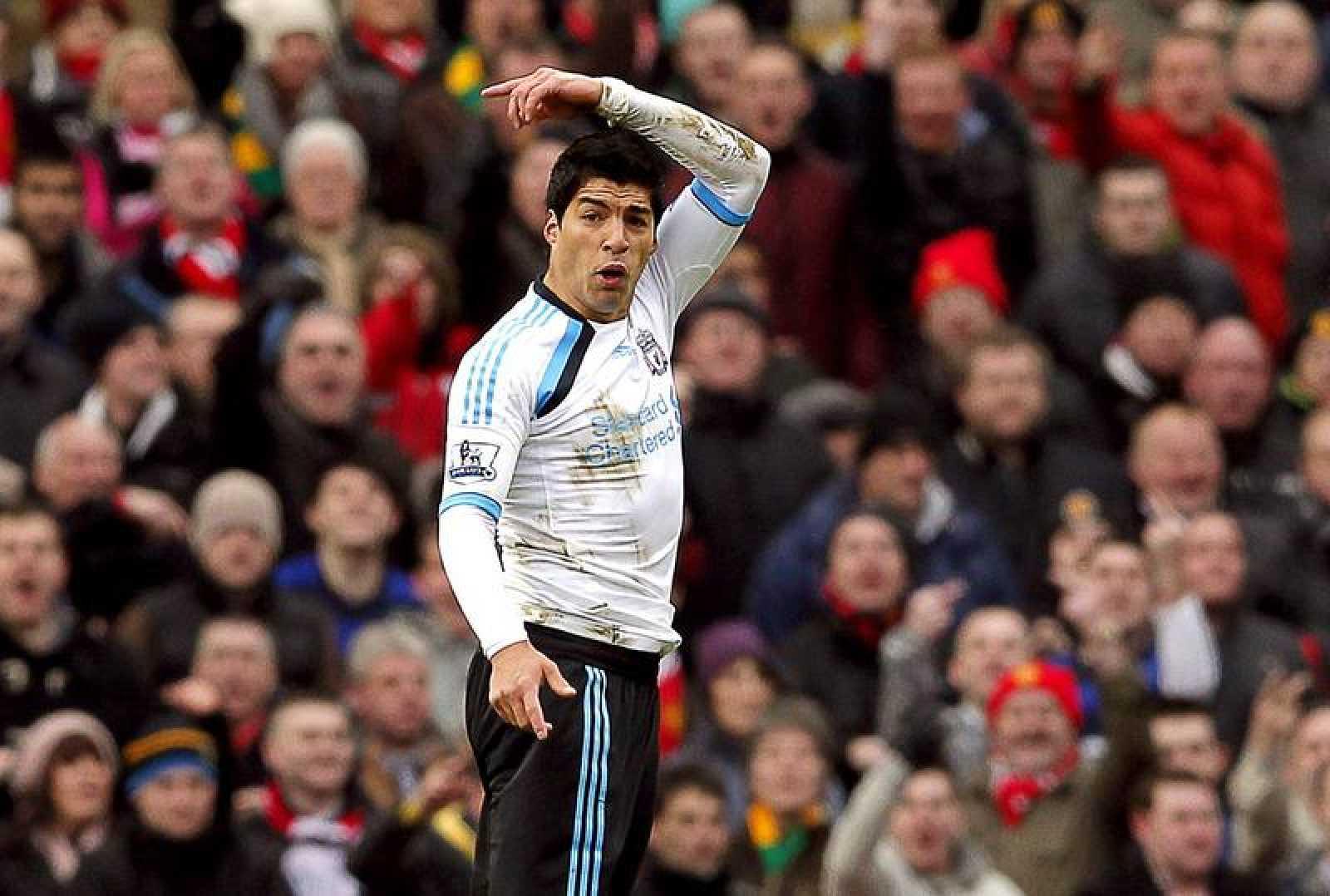 Suárez, en un partido con el Liverpool en Old Trafford