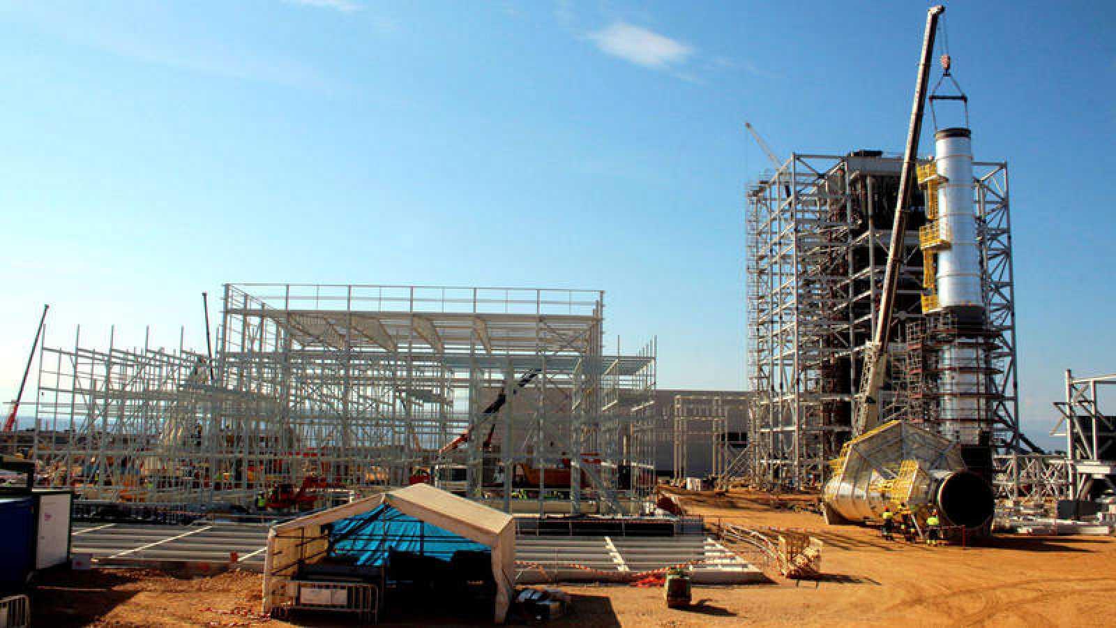 Construcción de una planta eléctrica de biomasa
