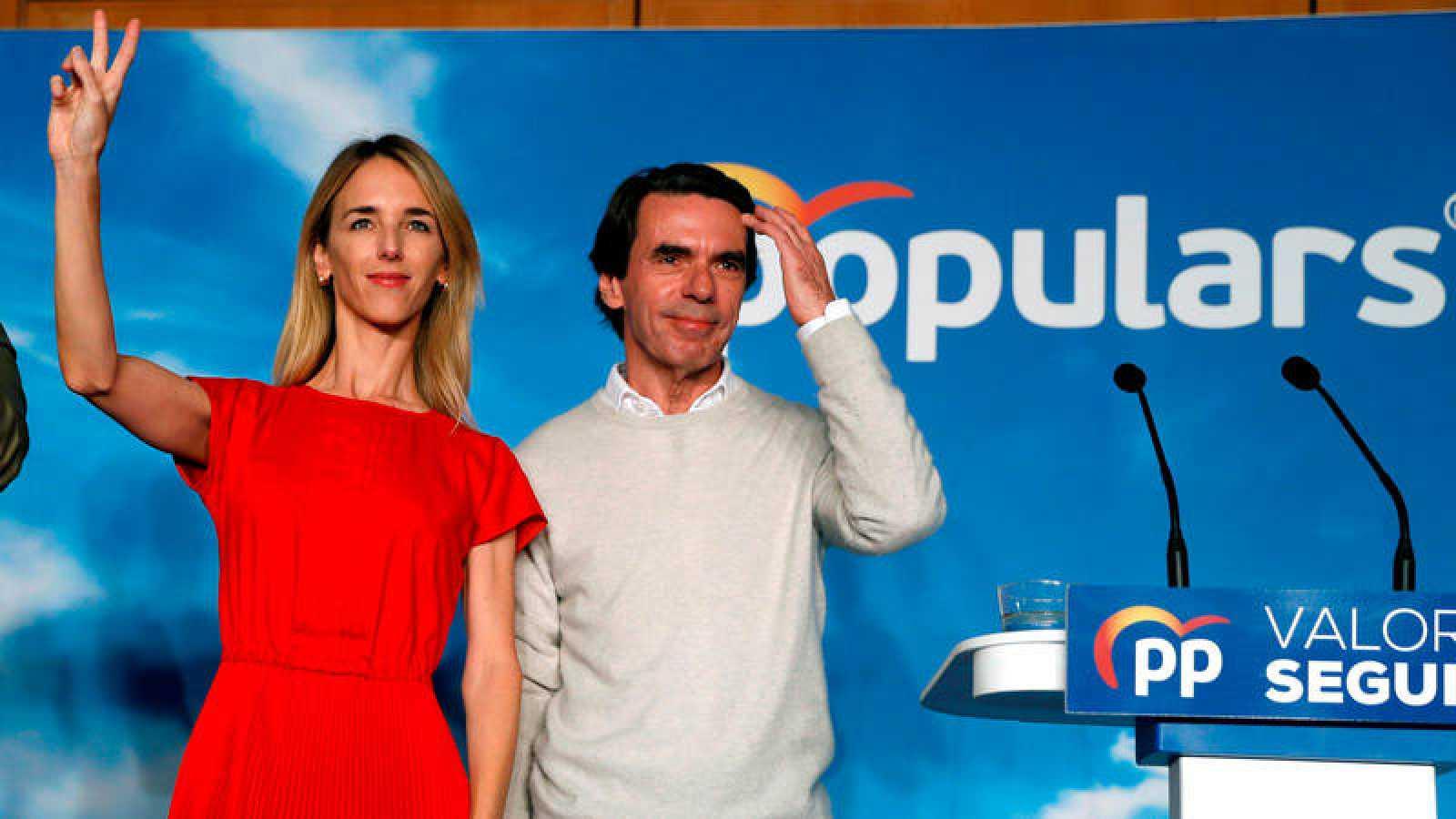 José María Aznar, junto a la candidata del PP al Congreso por Barcelona Cayetana Álvarez de Toledo.
