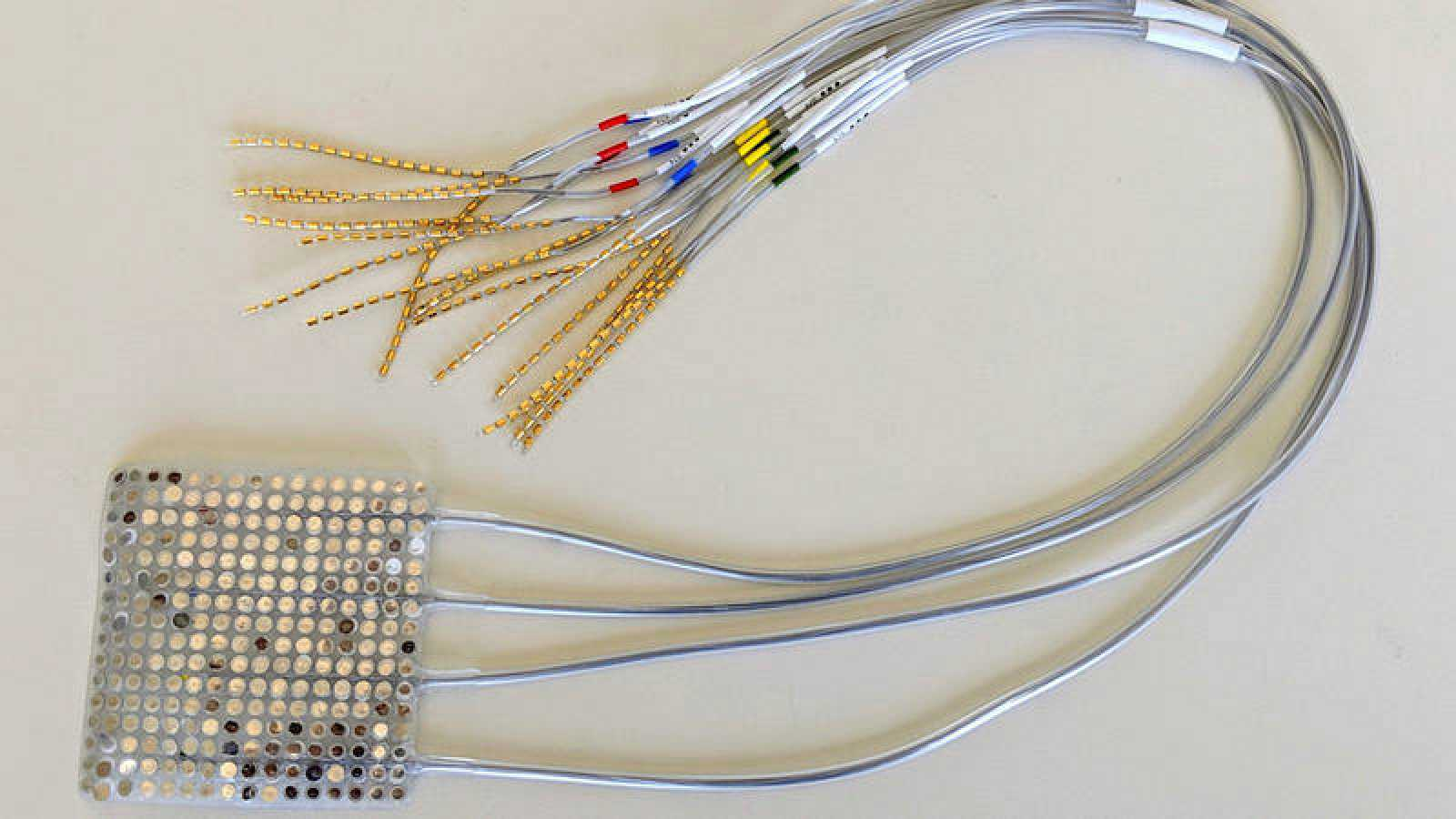 En el futuro, el dispositivo podría restaurar la función del habla en personas que la han perdido.