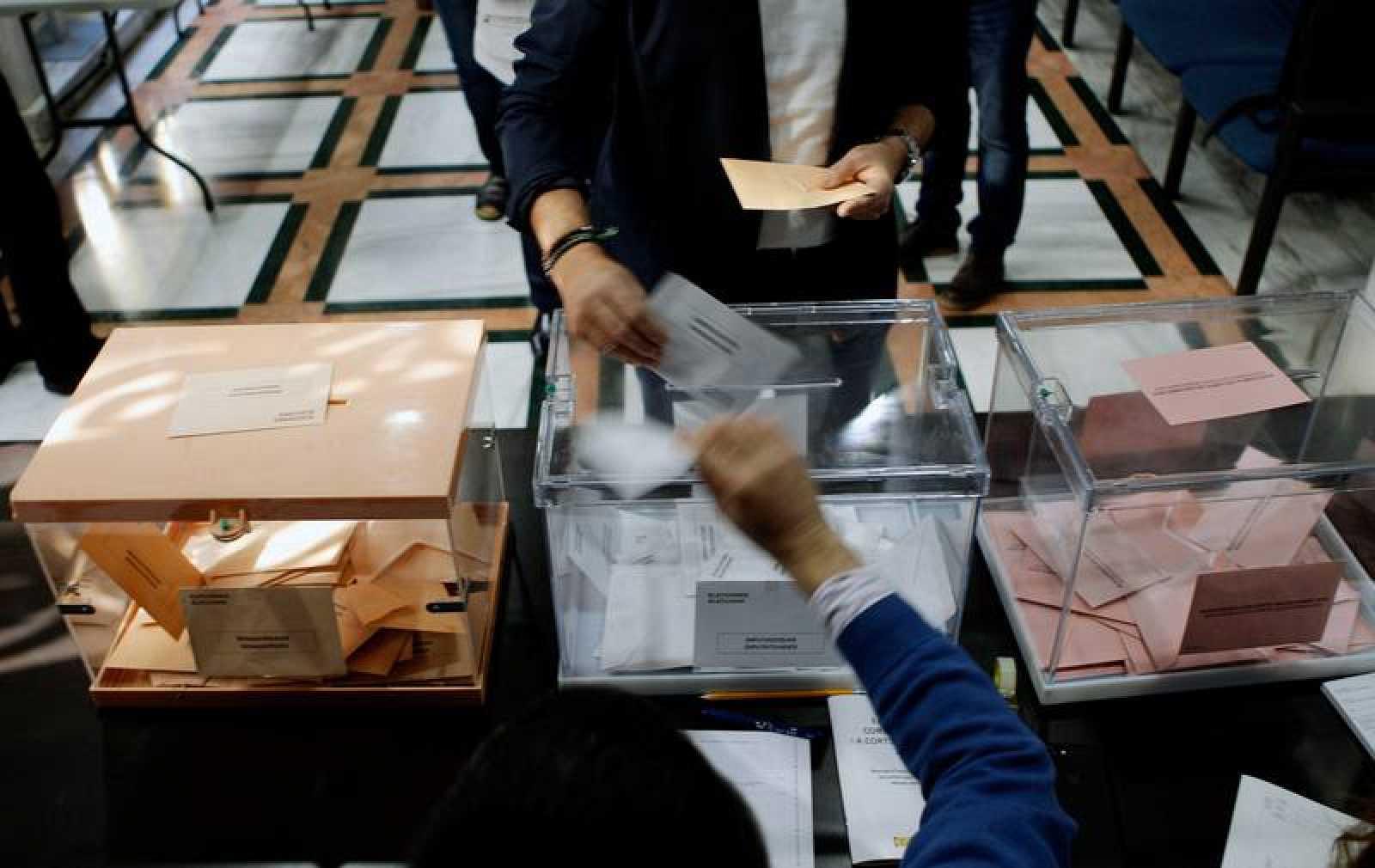 La afluencia a los colegios electorales ha sido notable este 28 de abril.