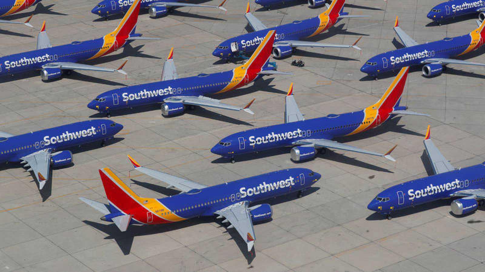 Varios Boeing 727 MAX de Southwest Airlines en tierra
