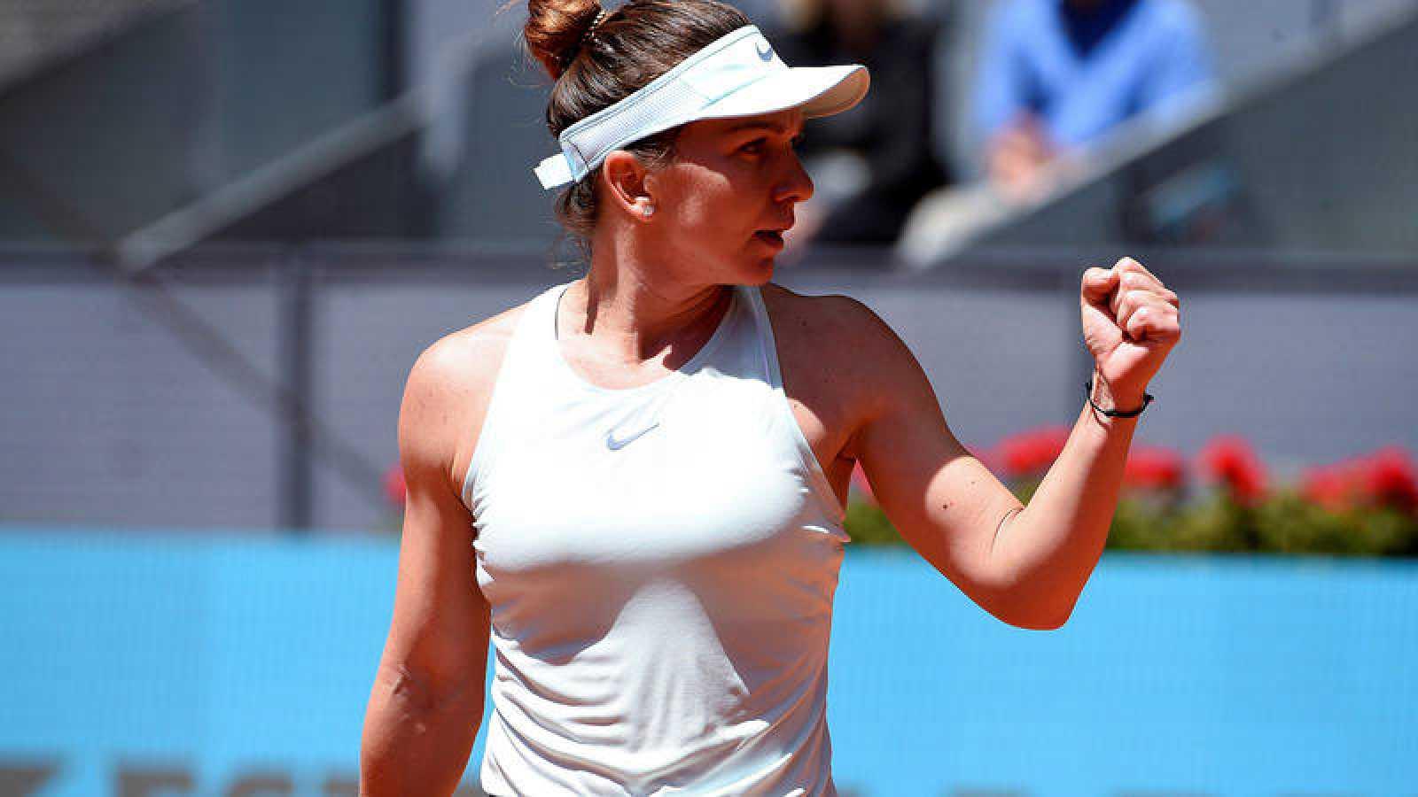 La rumana Simona Halep, tras ganar el partido de cuartos de final del Mutua Madrid Open ante la australiana Ashleigh Barty.