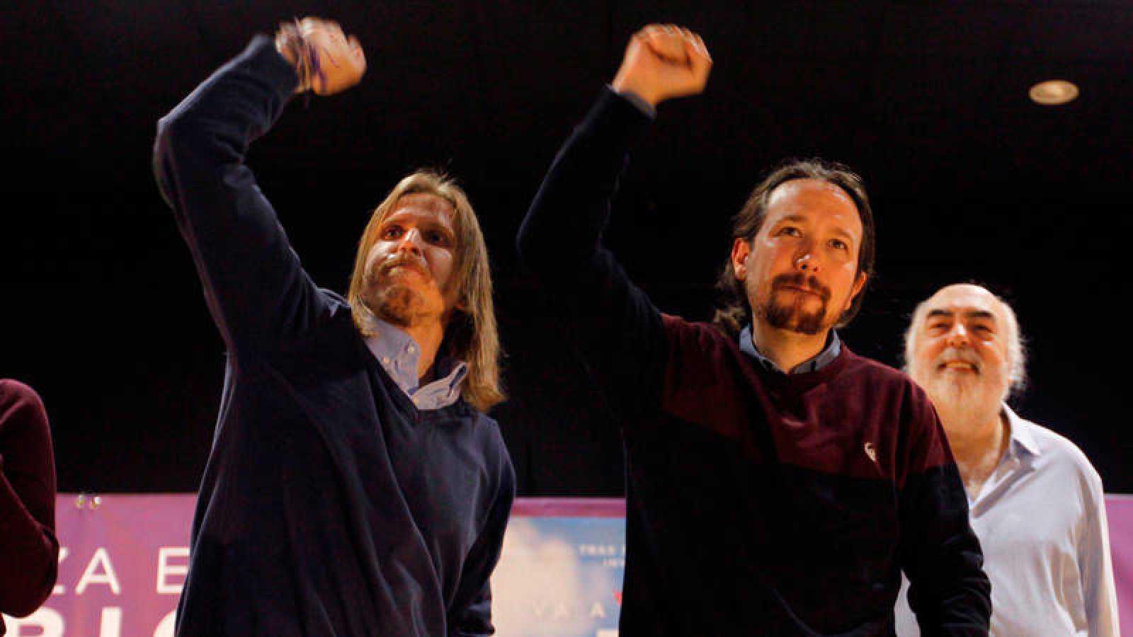 Pablo Iglesias (d) junto al candidato de Unidas Podemos a la presidencia de la Junta de Castilla y León, Pablo Fernández