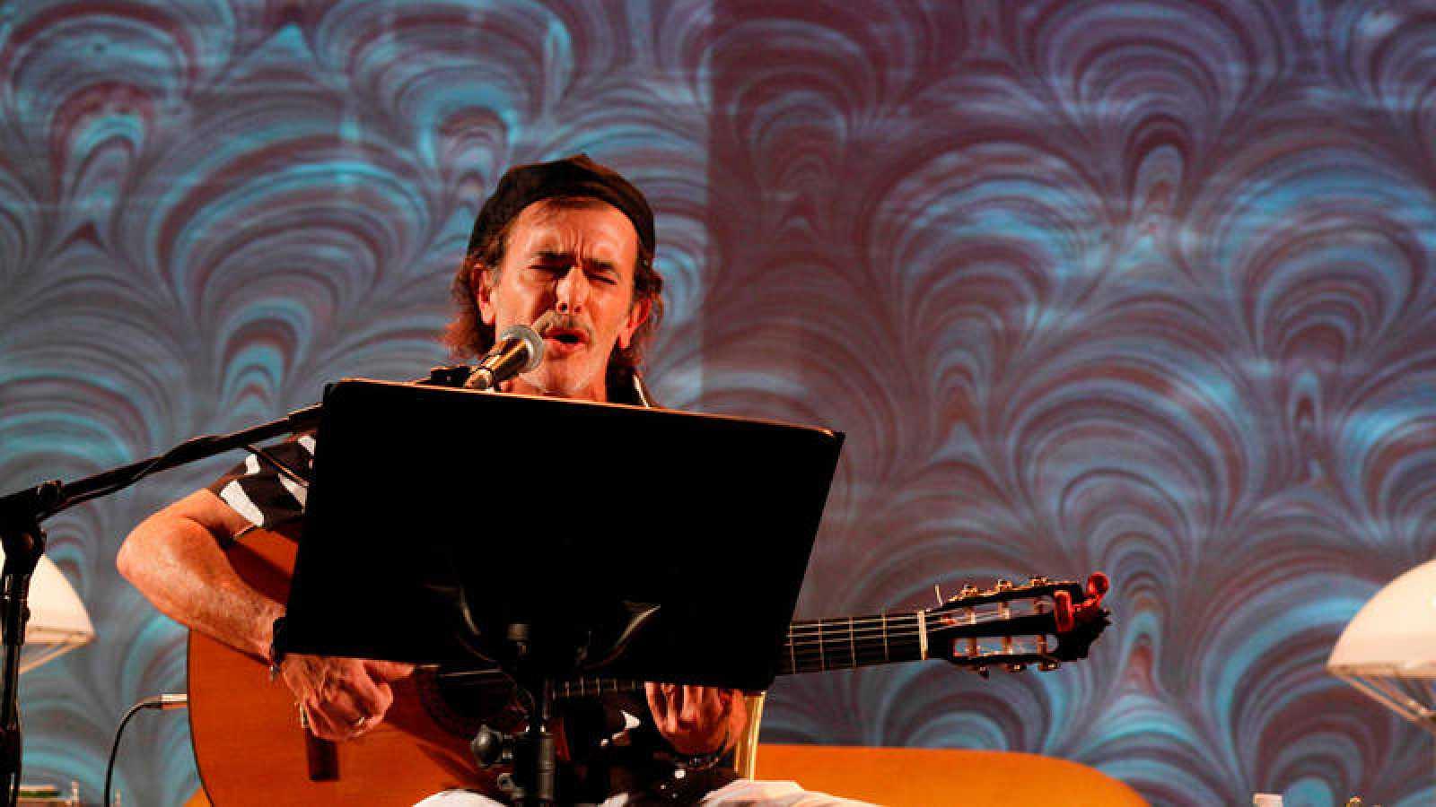 El autor del Carnaval de Cádiz Juan Carlos Aragón durante su participación en el Festival Internacional de Poesía Cosmopoética 2018 en Córdoba