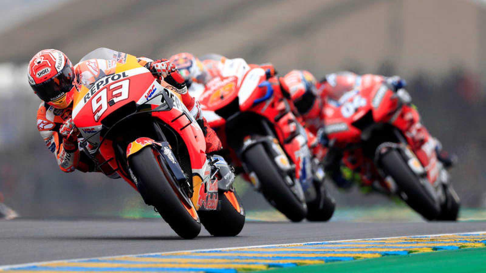 Márquez lidera la carrera de MotoGP