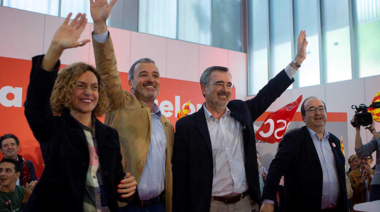El primer secretario del PSC, Miquel Iceta, la ministra de Política Territorial y Función Pública en funciones, MeritxellBatet, el senador electo Manuel Cruz ,y el candidato socialista a la alcaldía de Barcelona, Jaume Collboni, durante un acto de