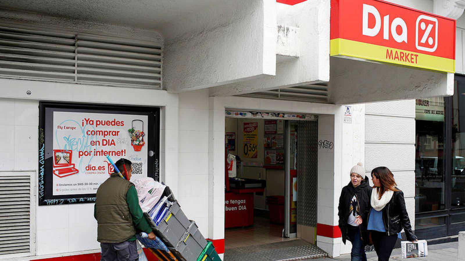 Fachada de uno de los supermercados de la cadena Dia en Madrid.