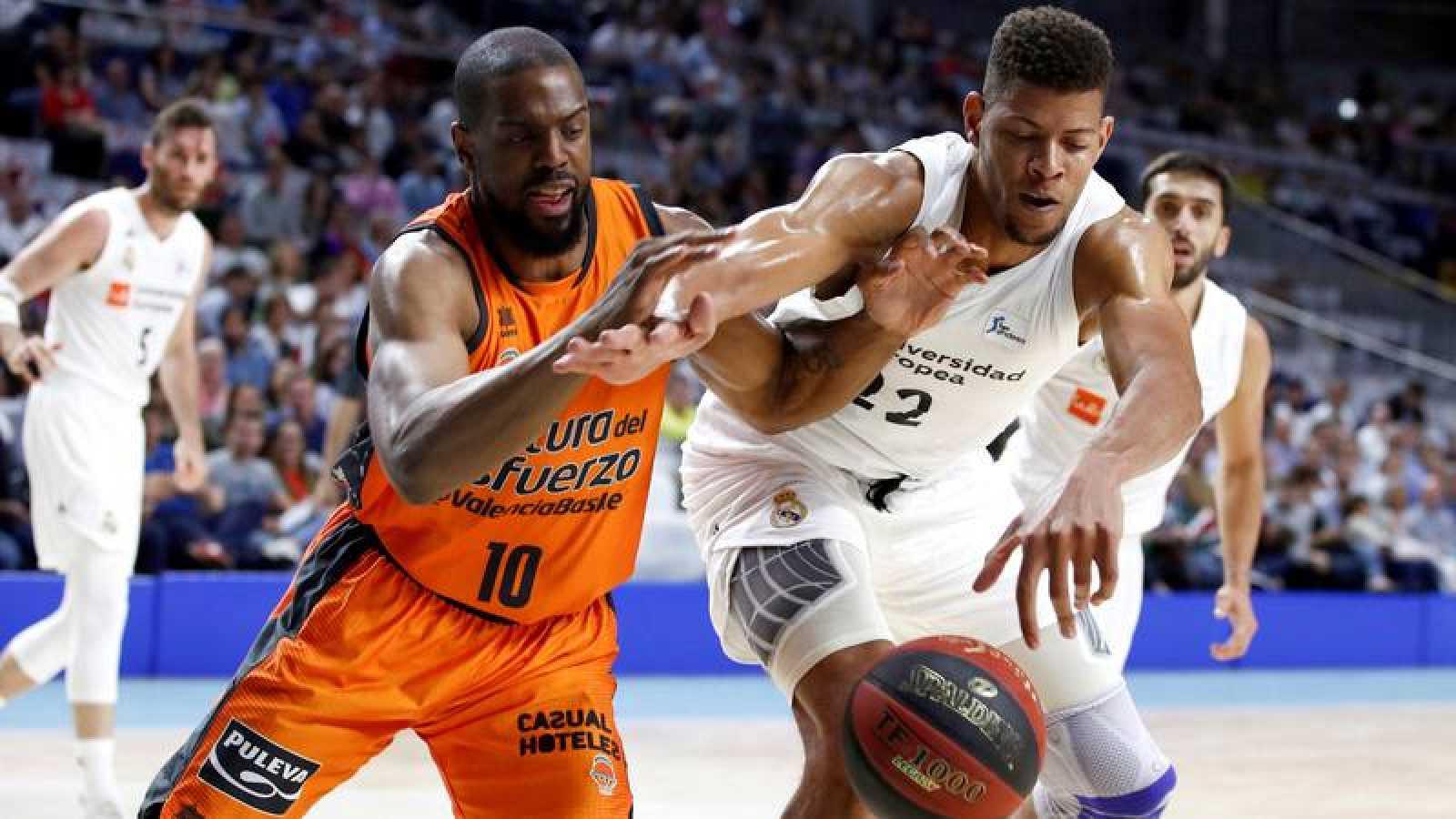 El Real Madrid vence a Valencia Basket por 83-77