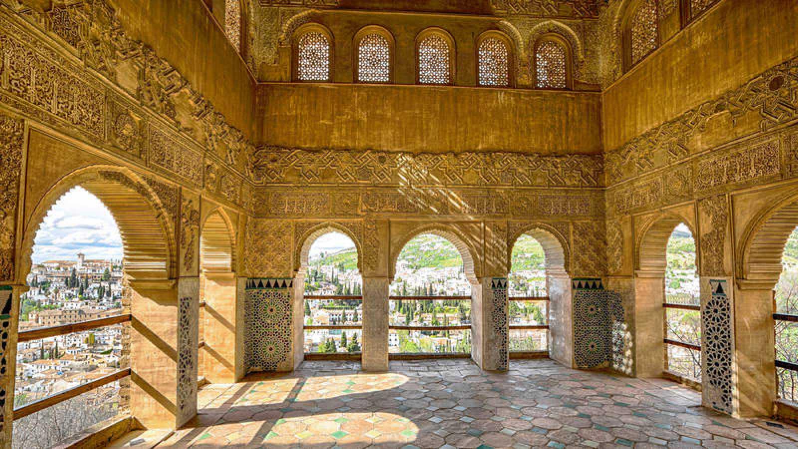 El complejo monumental de la Alhambra es el más visitado de España.