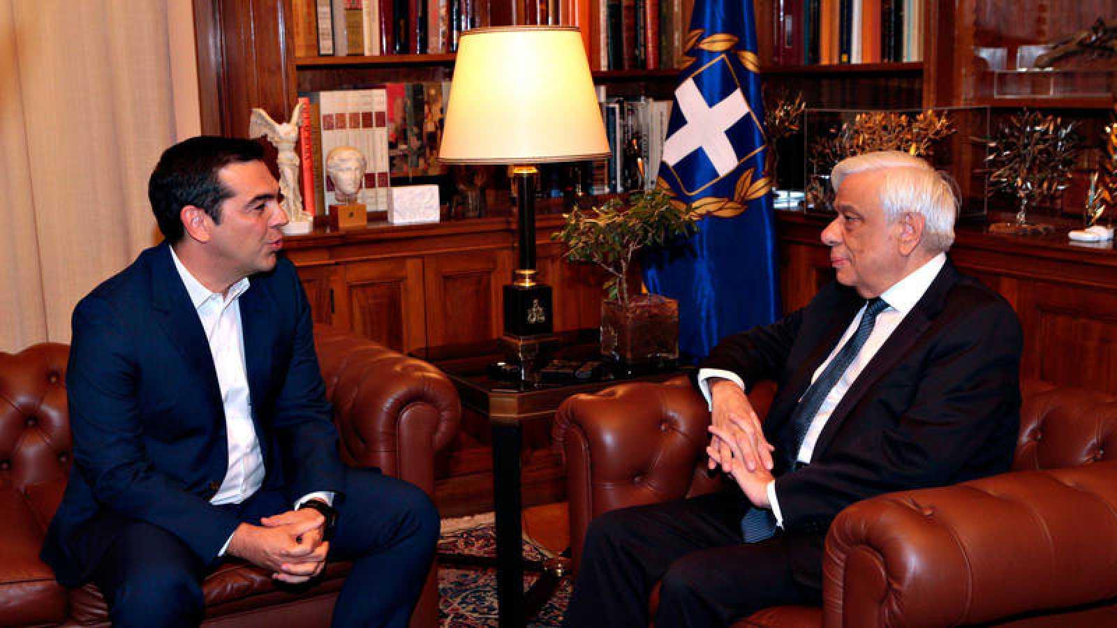 Tsipras solicita Pavlópulos la disolución del Parlamento y la convocatoria de elecciones anticipadas
