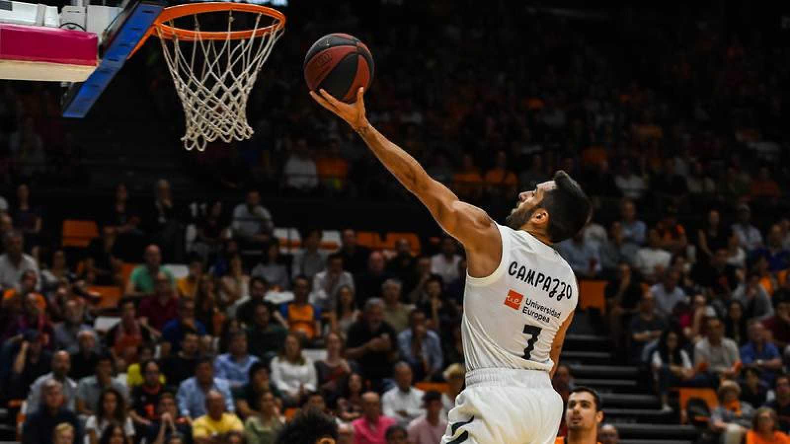 El Madrid sentencia a Valencia Basket y peleará por el título