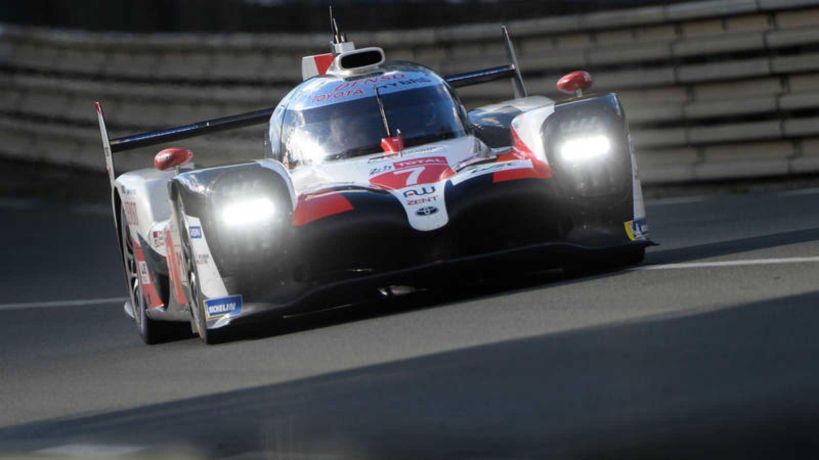 El japonés Kamui Kobayashi, al mando del Toyota, durante la sesión de calificación.