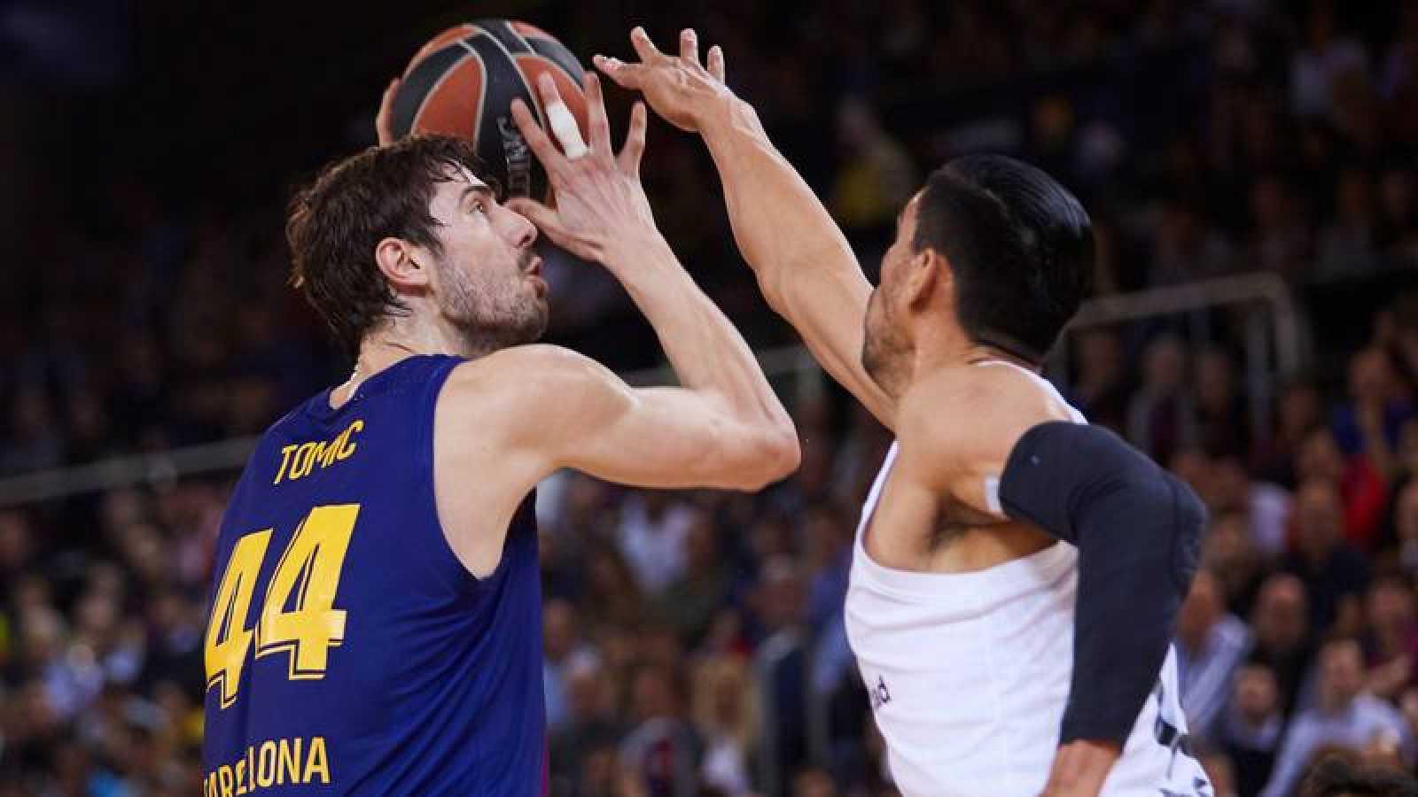 El Barça y el Palau se conjuran para evitar el alirón exprés del Madrid