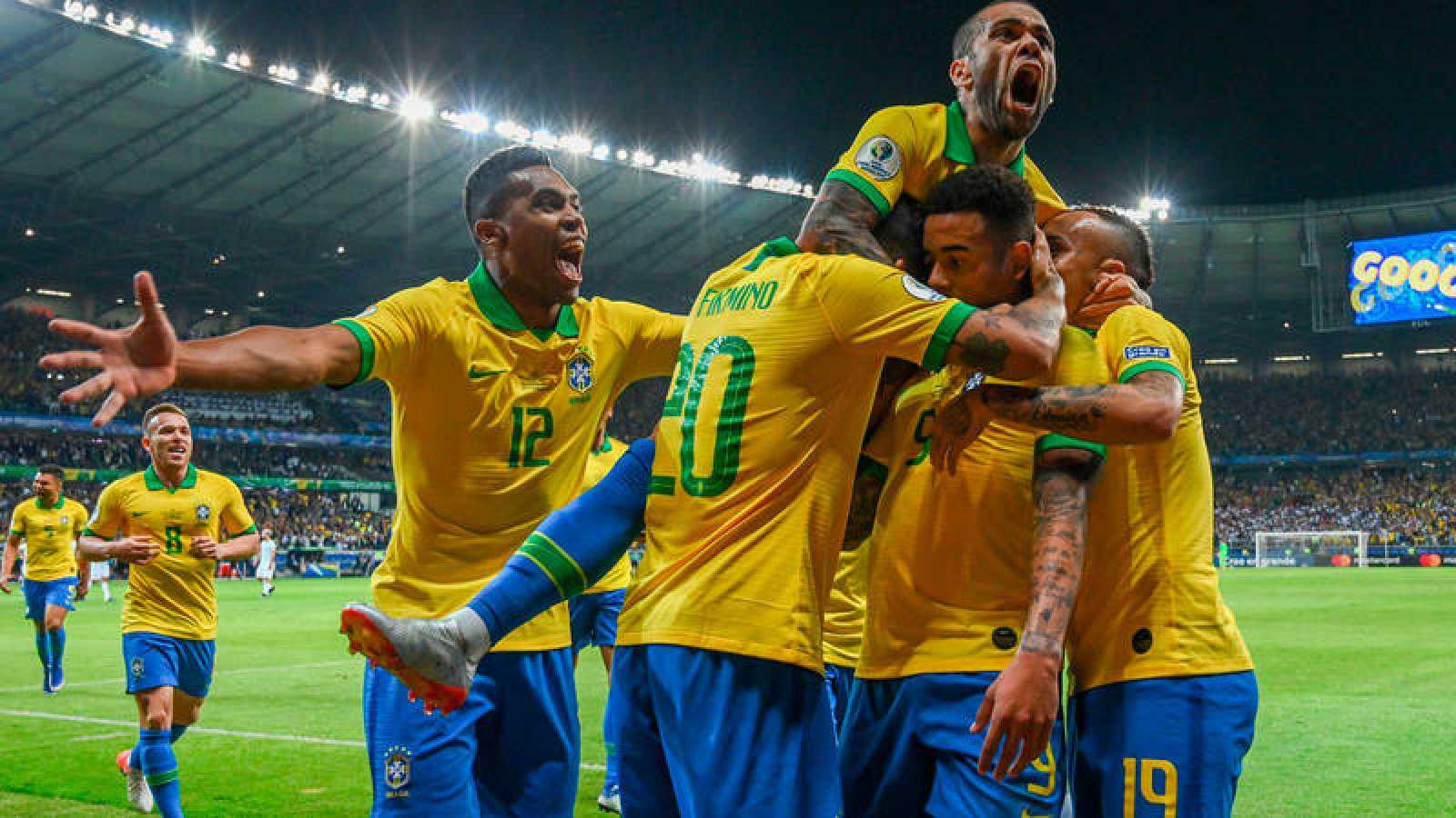 Brasil vence a Argentina y vuelve a una final de Copa América 12 años después